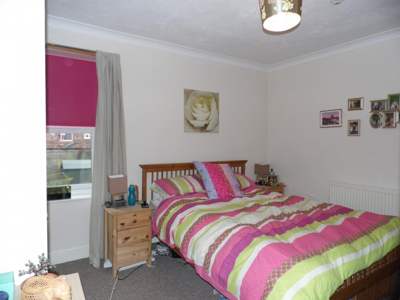 Romantic Rose Bedroom Theme